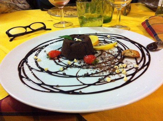 Guardistallo, Italia: Tortino al cioccolato