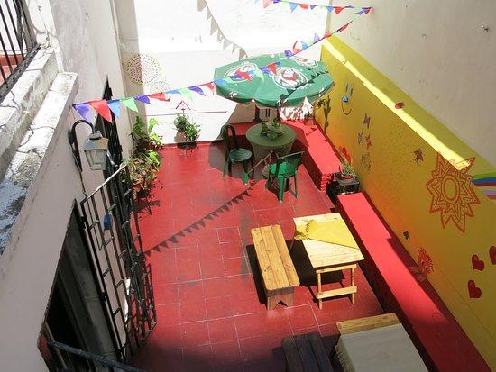 ALOHA Habemus Hostel