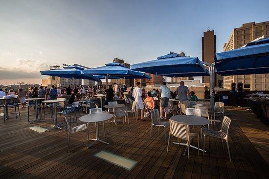 Toledo, OH: Rooftop parties are the best parties.