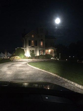 Jamesport, NY: Pulling up the driveway - full moon - October