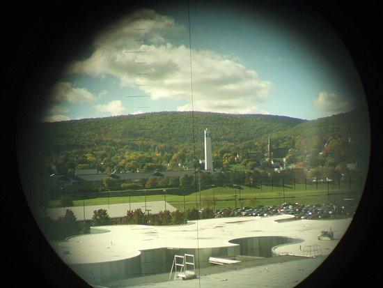 Corning, estado de Nueva York: outside through the periscope