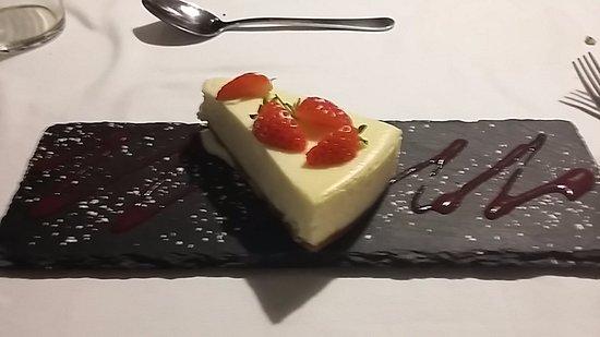 Bridgwater, UK : Vanilla cheesecake dessert