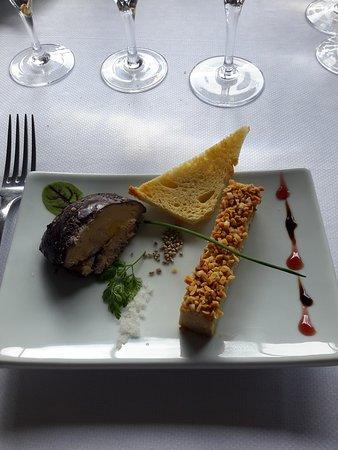 Mont-Saint-Aignan, France : duo de foie gras