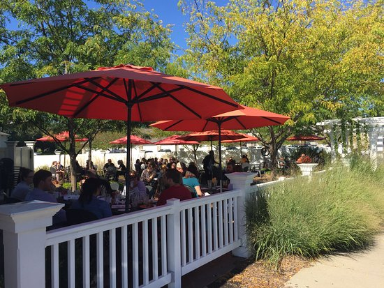 North Liberty, IA : Sunday Brunch on the Patio