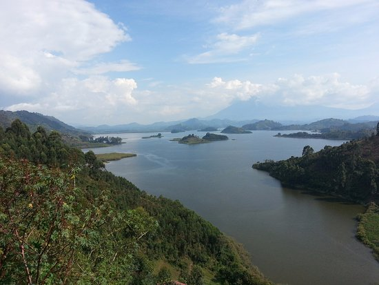 Bwindi Impenetrable National Park, Uganda: The lake from Chameleon Hill point of view