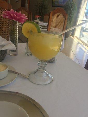 Crucecita, Meksiko: Lugar aconchegante com ótima comida é uma incrível recepção! Todos muitos amáveis!