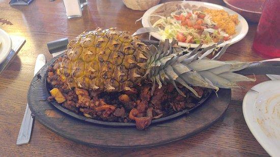 Los Compadres Mexican Restaurant: Hawaiian Fajitas!!!