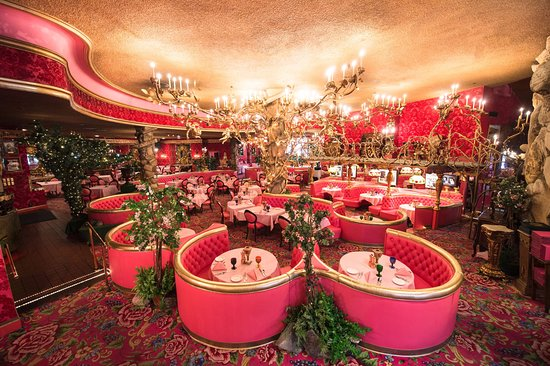 Themed Motels - The Madonna Inn's kitsch dining room