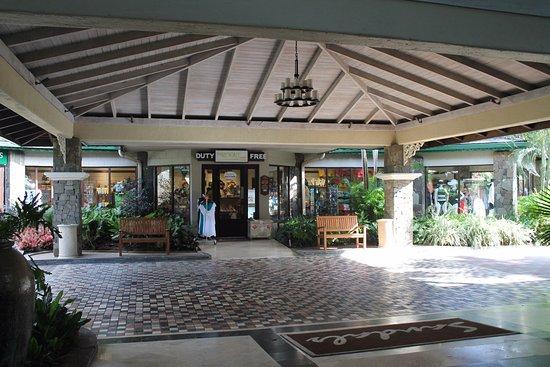 Sandals Halcyon Beach Resort: Gift Shop