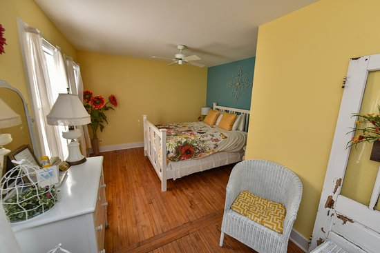 Union Pier, MI: Summer Room in Cottage of Four Seasons