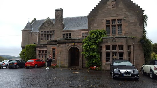 Scone, UK: Our rooms and the outside of the hotel