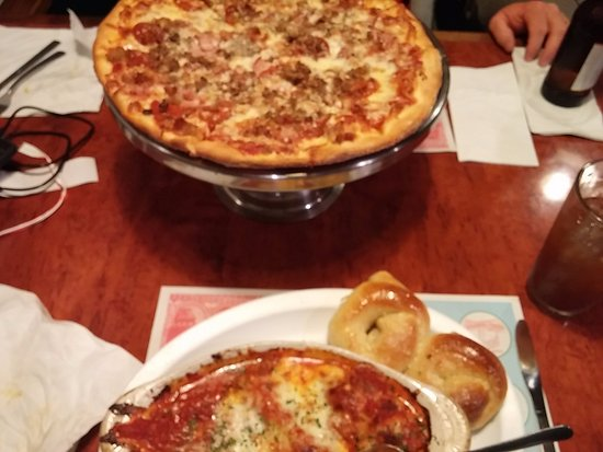 Kettering, OH: meat pizza
