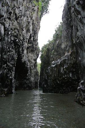 San Giovanni la Punta, إيطاليا: Alcantara Schlucht