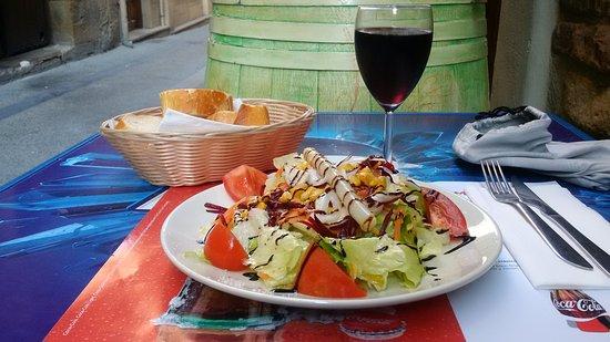 Viana, España: First Course Mixed Salad