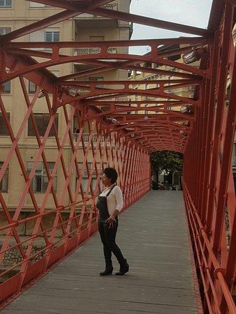 Eiffel Bridge: Encantador