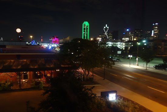NYLO Dallas South Side: View from room at night