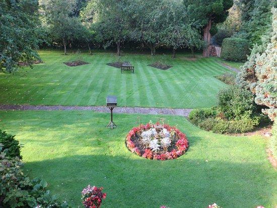 Usk, UK: Gorgeous gardens