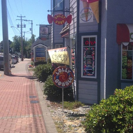 Lolly Gobble Sweet Shop: one of my favorite candy stores ever and i go to a lot!