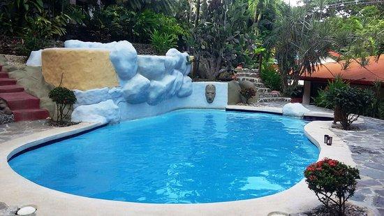 Hotel El Jardin: hay 2 piscinas en la propiedad