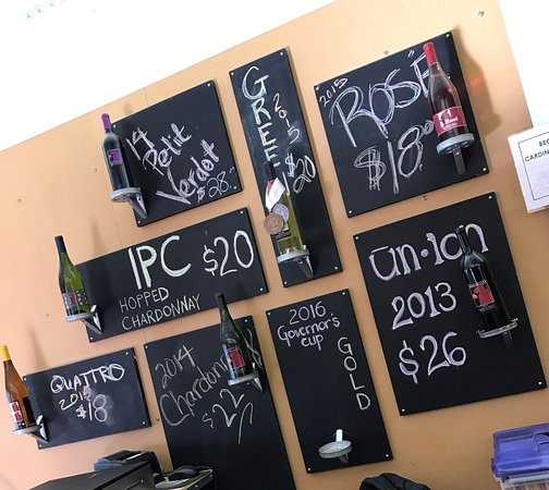 Afton, VA: All the cool wines!