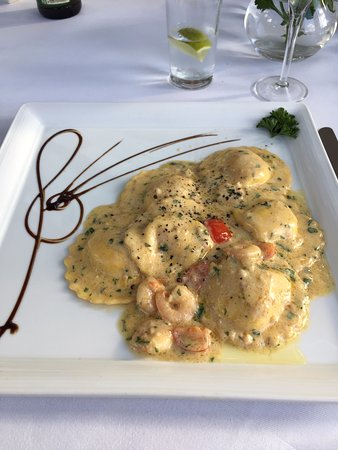 Goring-on Thames, UK: Crab & prawn ravioli, melt in the mouth!