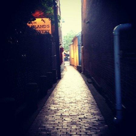 Brick Alley Pub: photo0.jpg