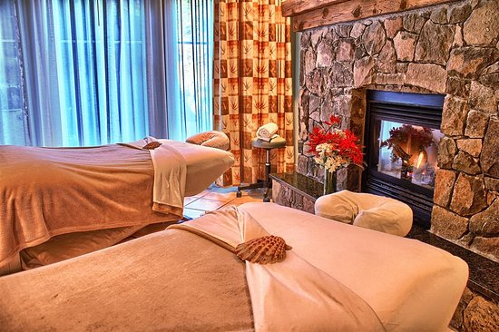 Pender Island, Kanada: Couples Massage Room in Susurrus Spa