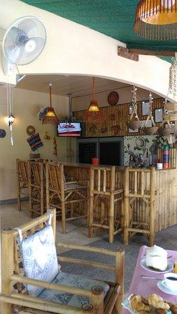 Similan Hotel: bar ouvert 11h a 14h et 17h30 20h30