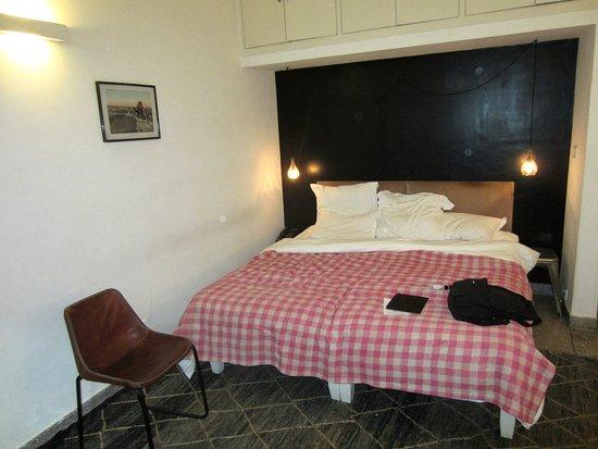 Scarlette New Delhi: bedroom