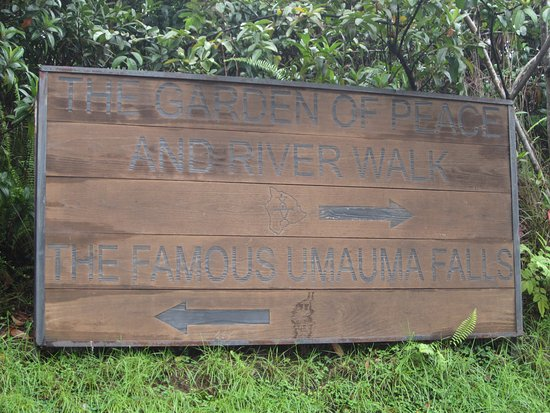 Honomu, HI: Take your time walking around near Umauma Falls! After all, you paid $10 for it.