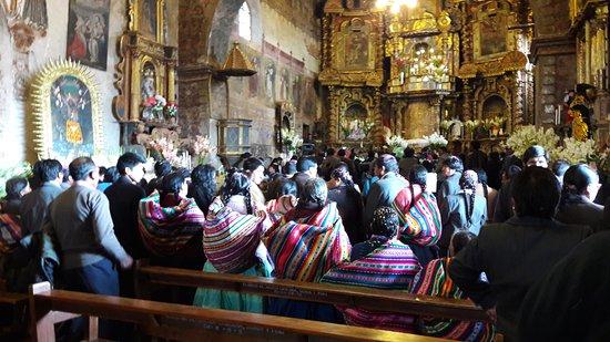 Chinchero, Perú: Igreja de Chichero - Casamento Tipico