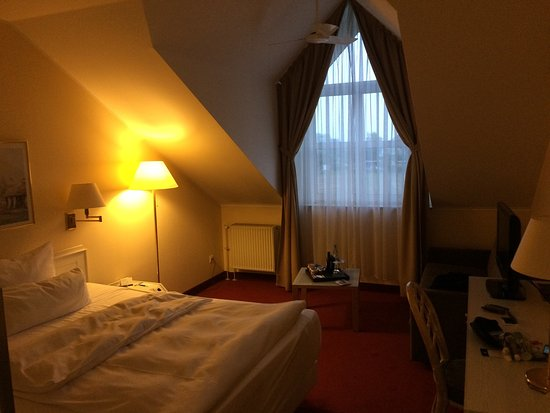 Barleben, Germany: Room and toilet