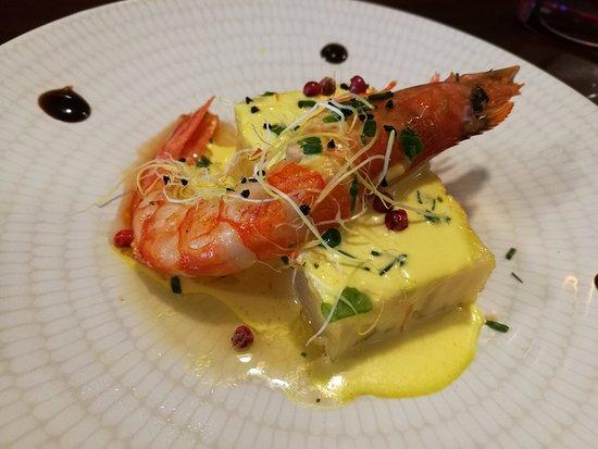 Barbastro, Hiszpania: pastel de patata y langostino con salsa de azafran