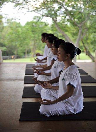 ميمبي ريزورت مينجانغان: Yoga