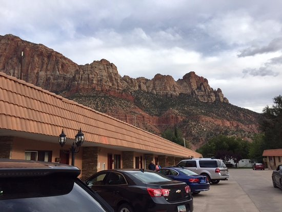 Zion Park Motel: View from the parking lot outside our room.