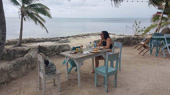 Ak'bol Yoga Retreat & Eco-Resort: Breakfast with a view!!