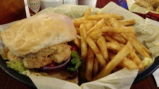 Nederland, TX: Shrimpburger and fries