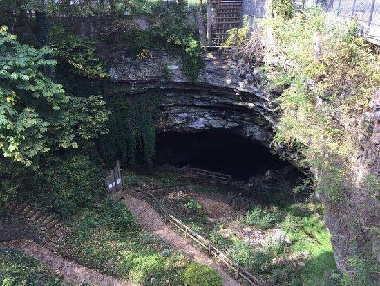 Horse Cave照片