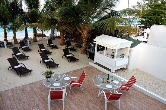 Eleven Palms Hotel