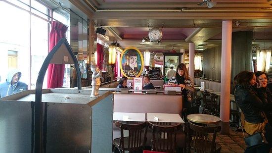 Hotel Du Moulin: внутри кафе Две мельницы