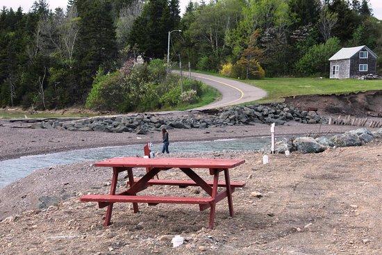 Parrsboro, Canada: Behind the RV