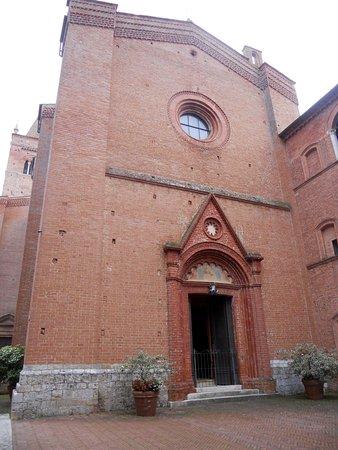 Asciano, Italien: Ingresso della chiesa