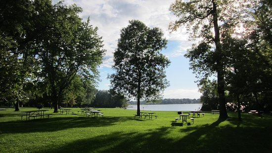 Hartford, WI : Pike Lake picnic area