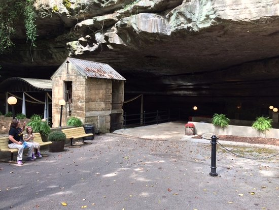 Bowling Green, KY: Lost River Cave Entrance