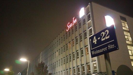 Star Inn Hotel Munchen Schwabing, by Comfort: 20161017_200124_large.jpg