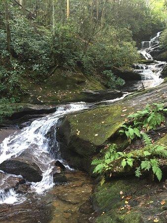 Burnsville, Carolina del Norte: The Falls