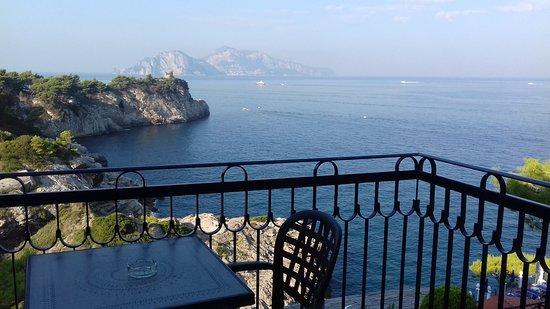 Hotel Delfino : View of Capri from our room