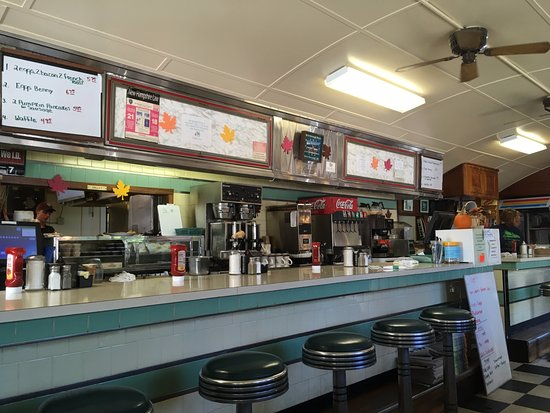 Peterborough, NH: A view of the counter at Peterboro Diner. I prefer sitting in a booth!