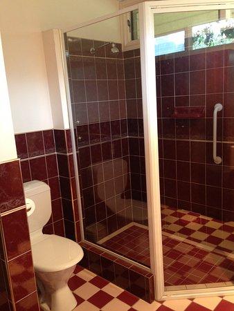 Strathalbyn, Австралия: Garden Suite Bathroom/Laundry