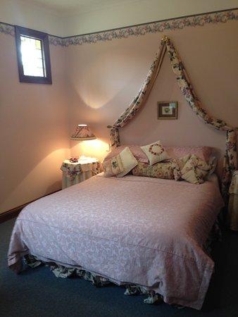 Strathalbyn, Australia: Stables Cottage Queen Bed
